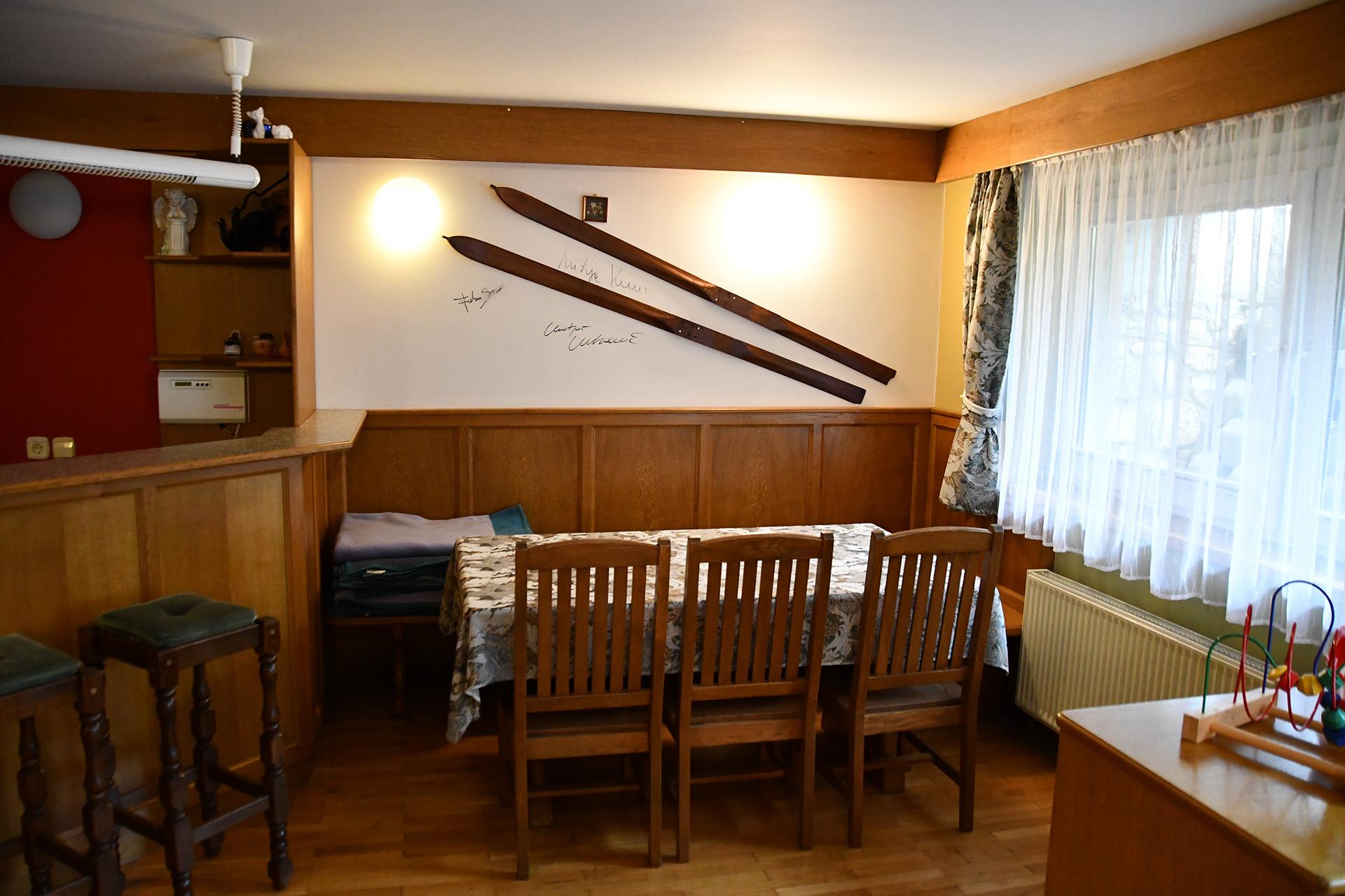 apartmaji_skala_kranjska_gora_skupna-kmečka-soba1