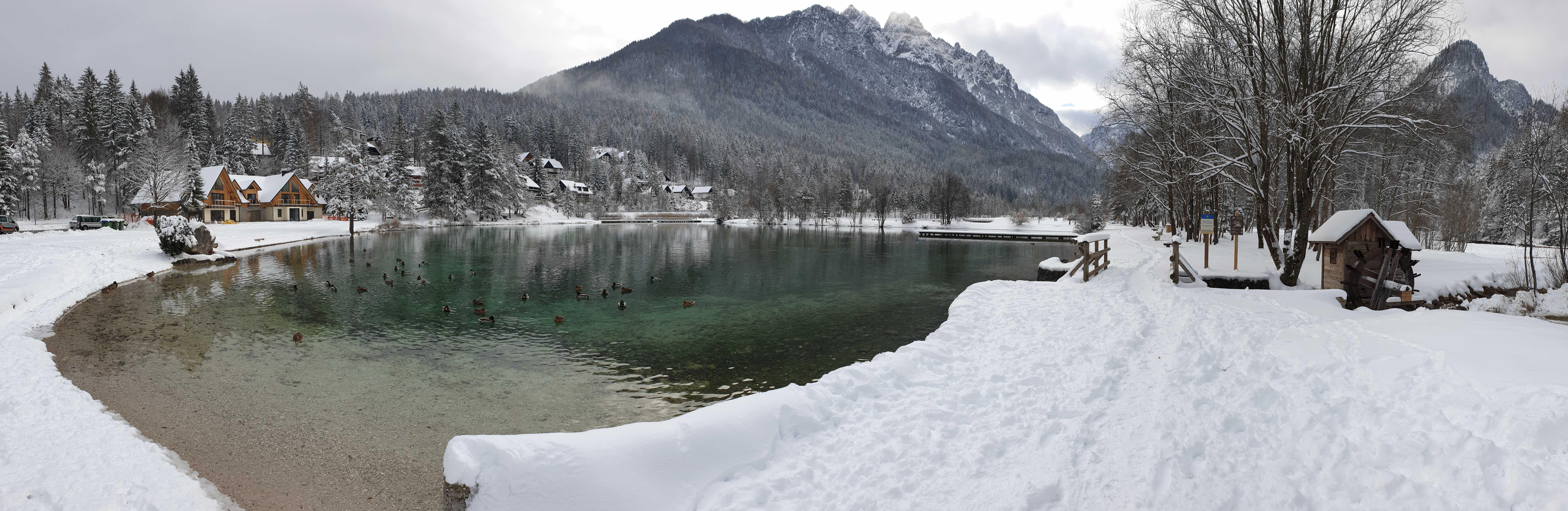 apartmaji_kranjska_gora_panorama_jezero_jasna